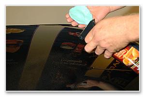 Применение лубриканта глины для очистки кузова авто