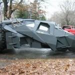 """Реалистичная автомобильная реплика Бэтмобиля из фильма """"Бэтмен: начало"""""""