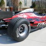Американец переделал болид Формулы-1 для езды по дорогам общего пользования