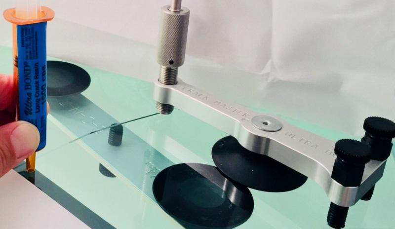 Технология ремонта трещин лобового стекла